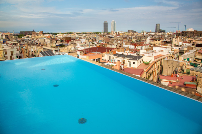 Zwembad in Barcelona, Spanje