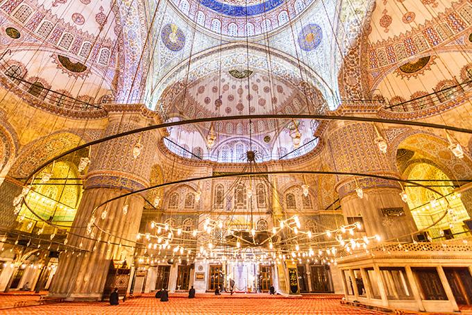 Bezienswaardigheden in Istanbul: interieur van de Blauwe Moskee