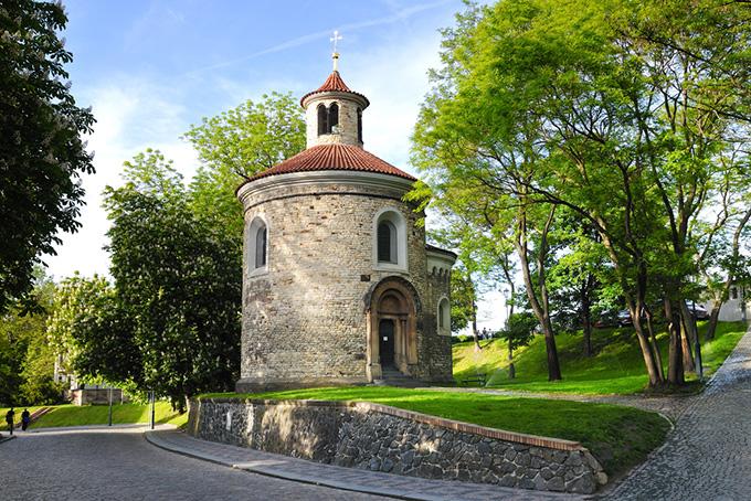 Bezienswaardigheden in Praag: kerk in Vyšehrad.