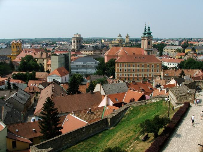 Het stadje Eger in Hongarije