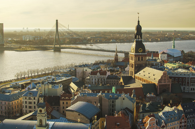 Uitzicht over de oude stad van Riga in Letland