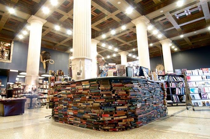 © James Martínez / The Last Bookstore