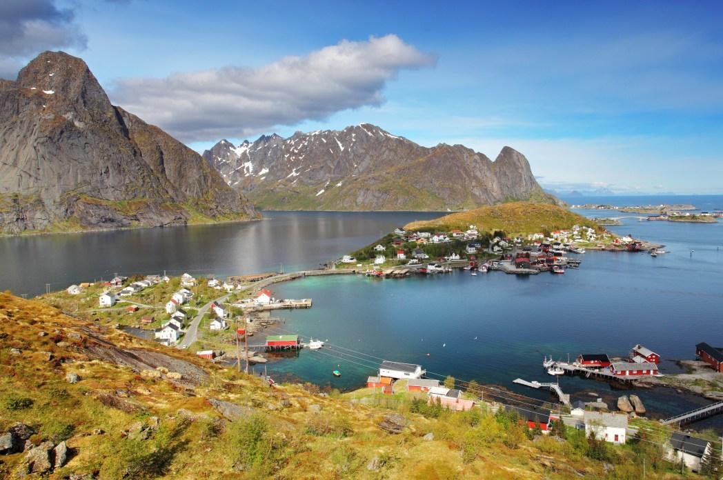 Rode vissershuisjes op de Lofoten in Noorwegen