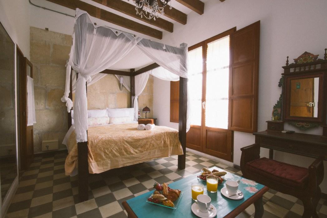 Slapen Ibiza-stijl in hotel Casa Huespuedes Vara del Rey
