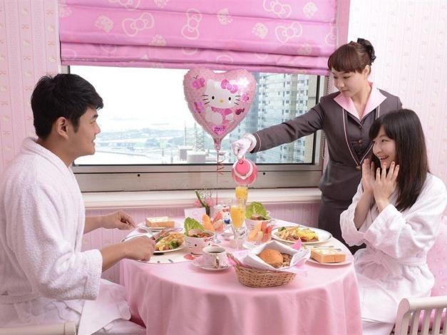 Ontbijt in de Hello Kitty-kamer in Grand Hi Lai Hotel